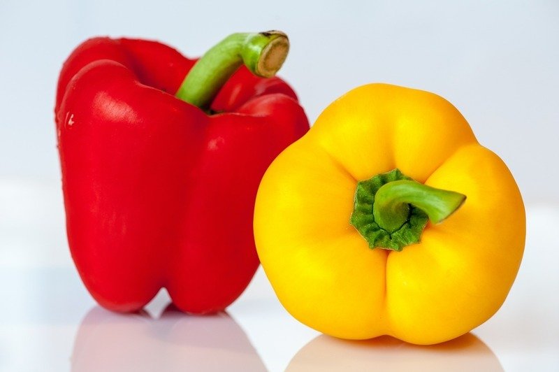 Salát z opečených paprik