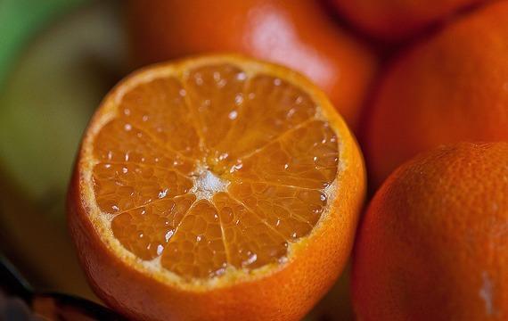Pomerančový salát se sýrem