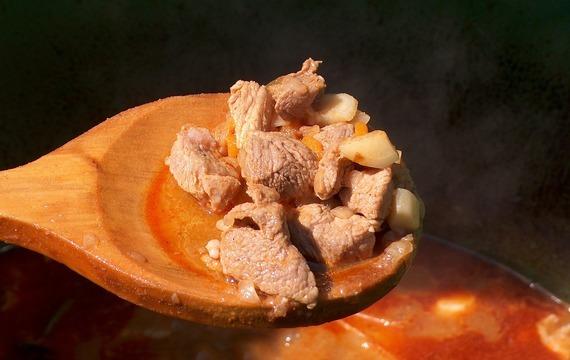 Sojový segedínský guláš