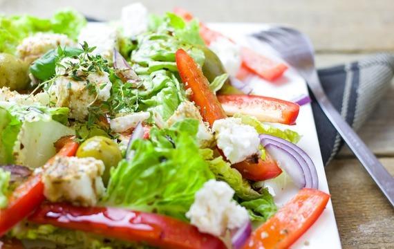 Listový salát s ovocem