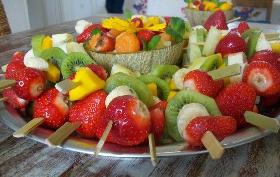 Ovocný špíz na grilu