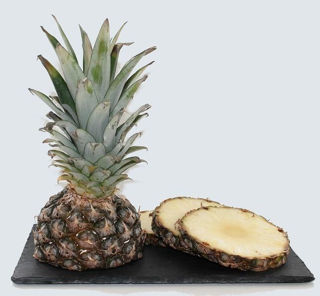 Kari směs s ananasem a mandlemi
