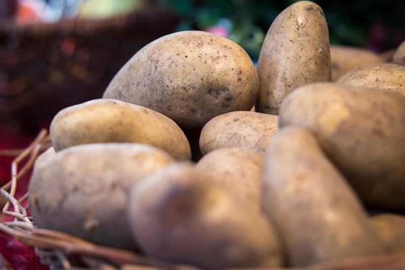 Grilované brambory s nivou
