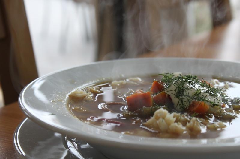 Rybí polévka s půlměsíčky