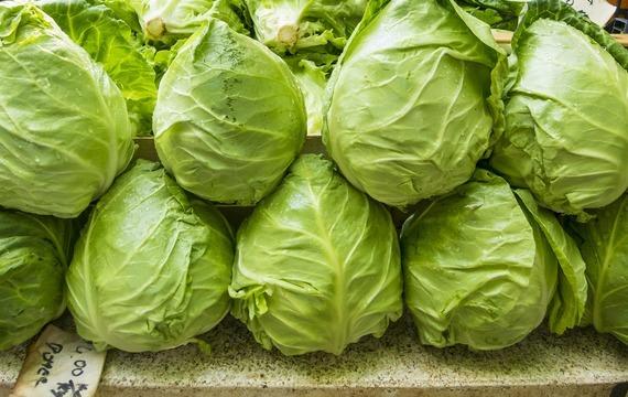 Polévka z hlávkového salátu