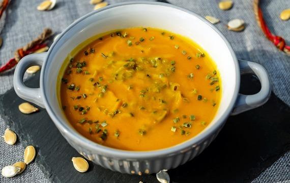 Bramborová polévka s mrkví - krémová
