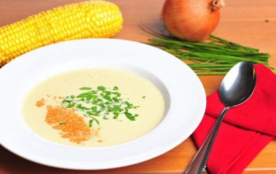 Kukuřičná polévka se špetkou chilli