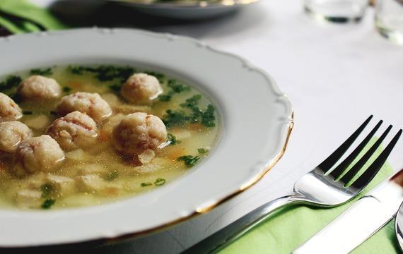 Sváteční polévka z bažanta