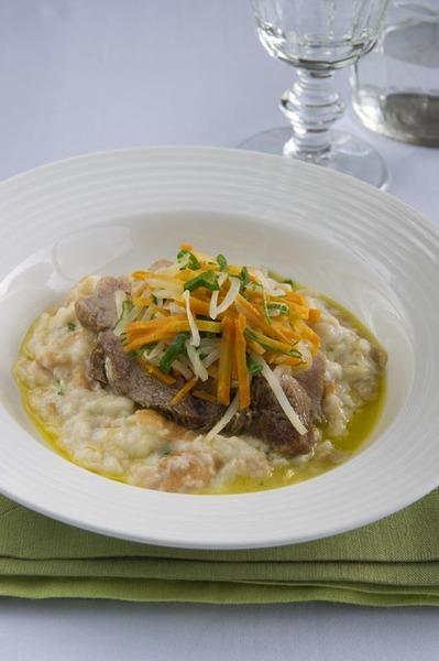 Štýrské vepřové maso s křenovo-houskovou kaší a zeleninou