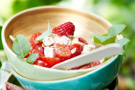 Jahodovo-rajčatový salát s fetou