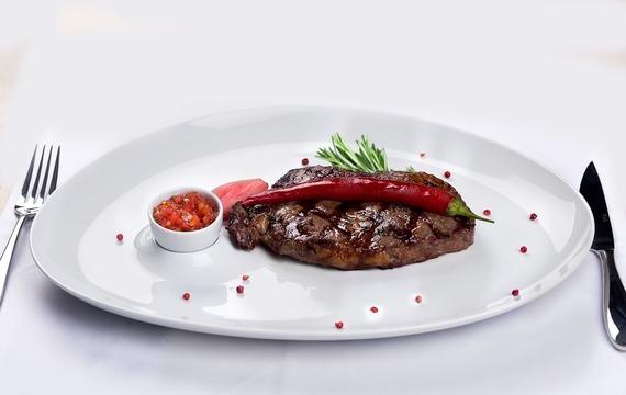 Jelení steaky ve fíkové omáčce