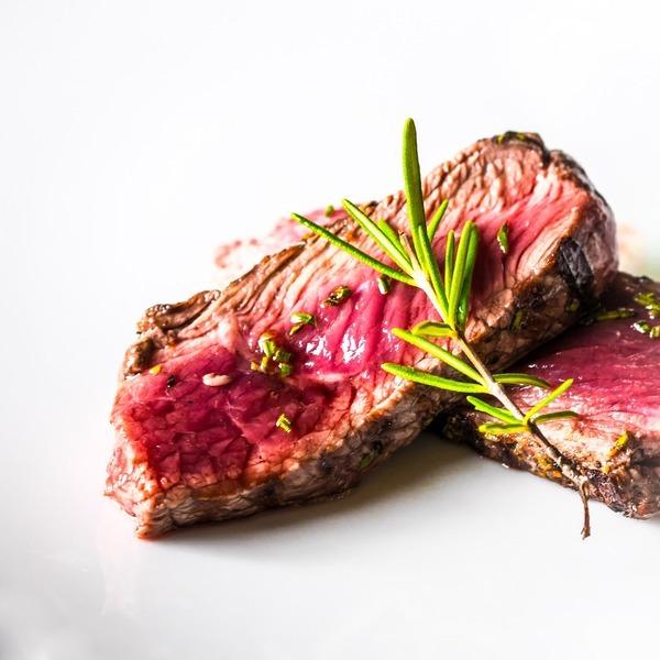 Hovězí biftek na barevném pepři