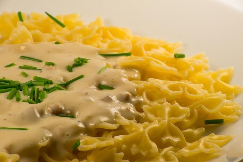 Sýrovo smetanová omáčka