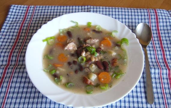 Fazolová uzená polévka