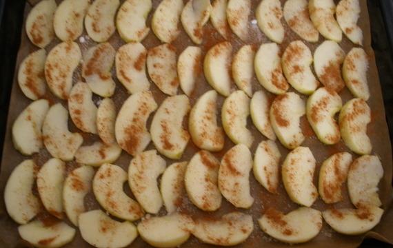 Obrácený jablečný koláč 2