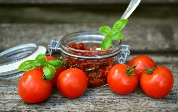 Sušená rajčátka v kuchyni
