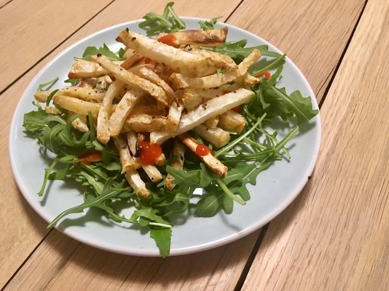 Celerové hranolky s rukolou