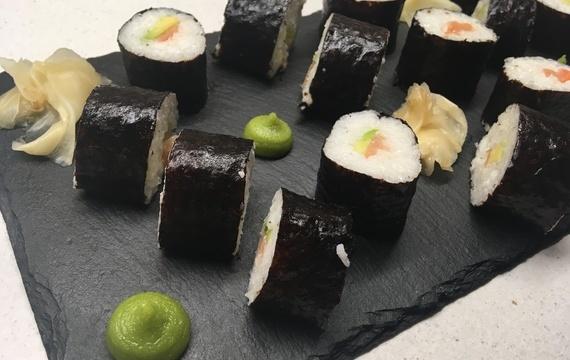 Sushi každé hostině sluší!