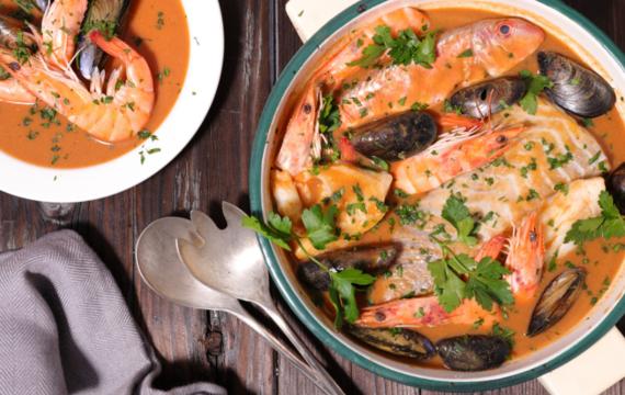 Bouillabaisse <bujabéza> aneb moře na talíří