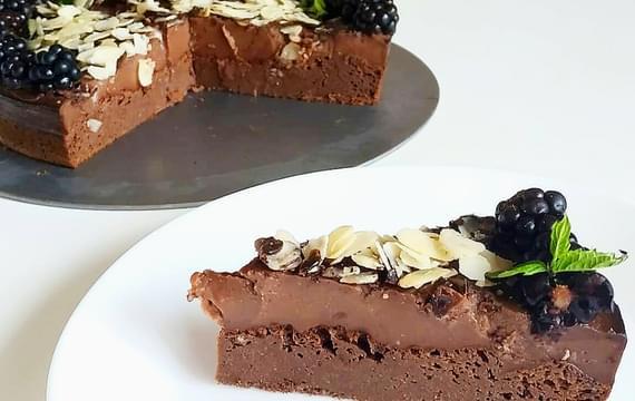 Cuketový brownie dort
