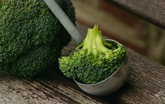 Pět důvodů, proč mít na svém stole košťálovou zeleninu