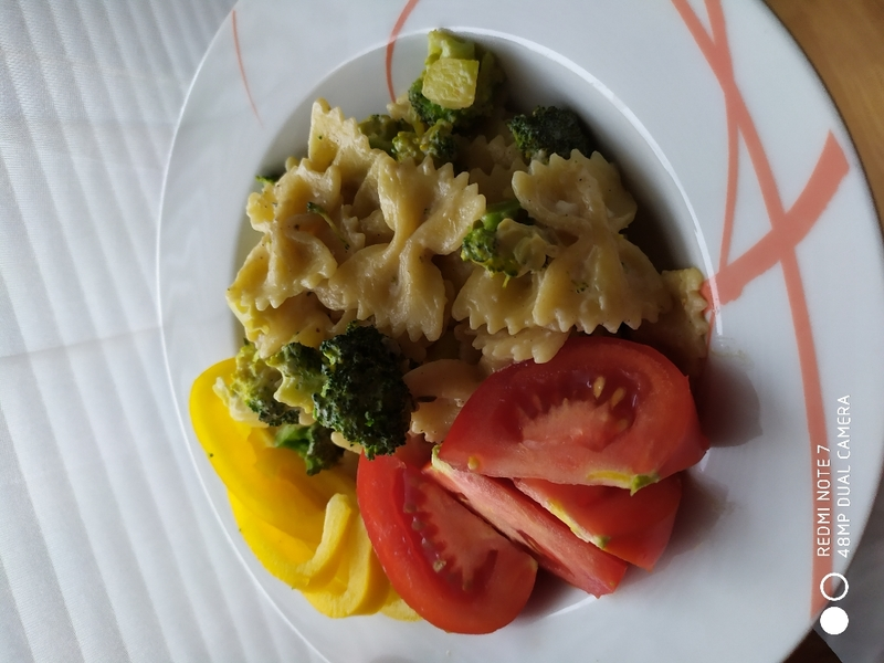 Krémové gnocchi s brokolicí a cuketou
