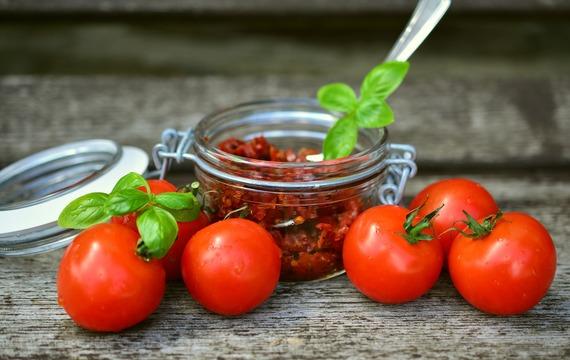 Sušená rajčata: Víme k čemu se hodí a jak je správně připravit!