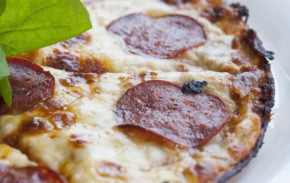 Sýrová pizza s vysočinou