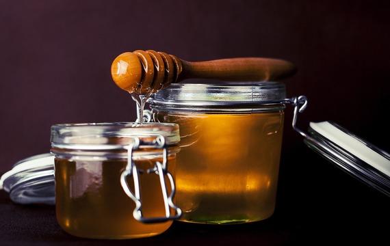 Zařaďte med do svého jídelníčku! Posiluje srdce a chrání tělo před toxiny