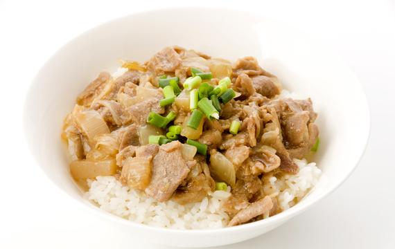 Shirataki rýže s krůtími prsy a zeleninou podle Cambridge Weight Plan
