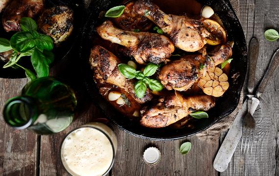 Pečená kuřecí stehna s pórkovou omáčkou