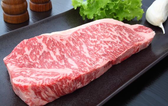 Kobe beef: Steak, který by měl člověk ochutnat minimálně jednou za život!