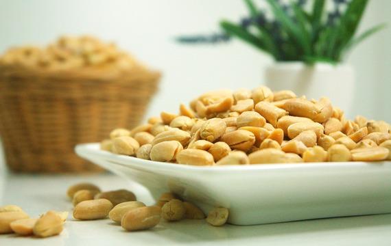 Tajemství skryté v arašídech. Chrání pokožku a zlepšují paměť!