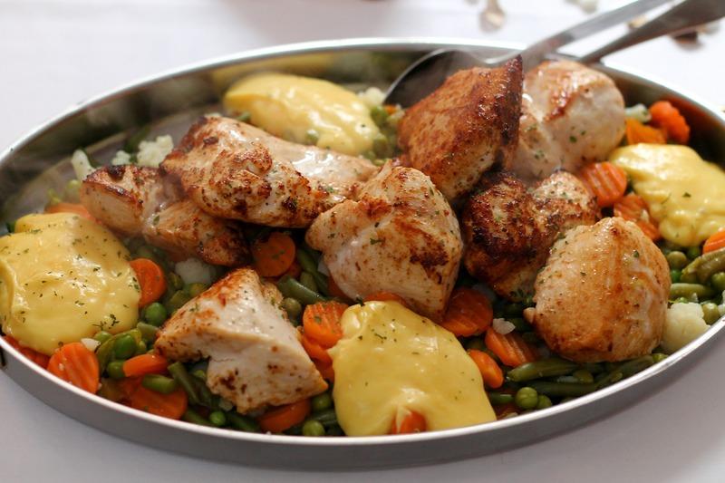 Kuřecí prso s mrkví a bramborami