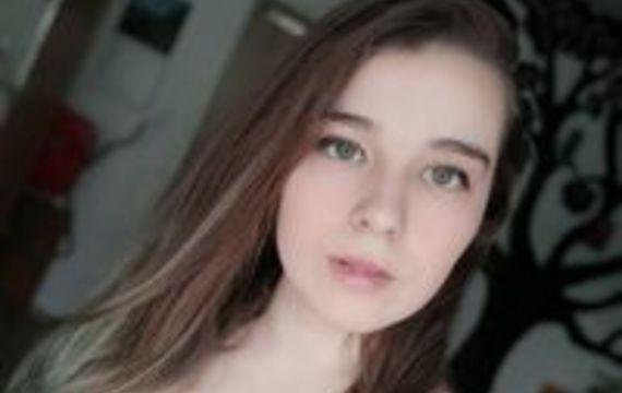 adel.piekarova