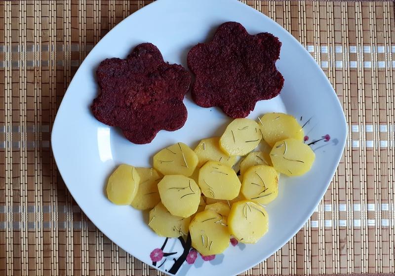 Řepové placičky s bramborem na rozmarýnu