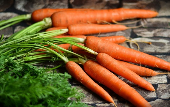 Bolí vás kolena? Vyzkoušejte mrkev nebo jablečný ocet!