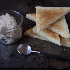 Sardinková pomazánka s máslem