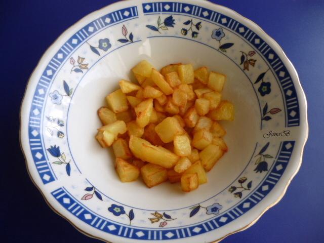 Česnekačka se smaženými brambory